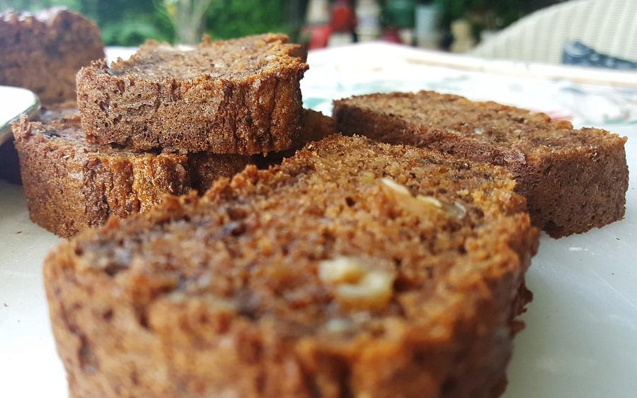Plum cake biscottato al burro di mele