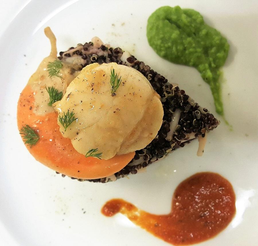 Quinoa nera con calamari e capesante