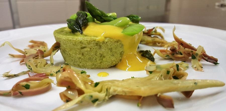 Flan di asparagi con salsa allo zafferano