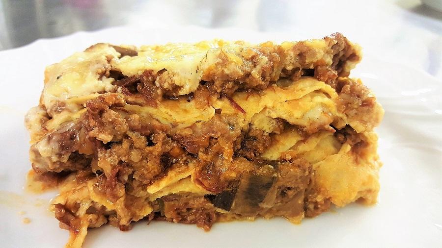 Lasagne di crespelle al ragù tradizionale