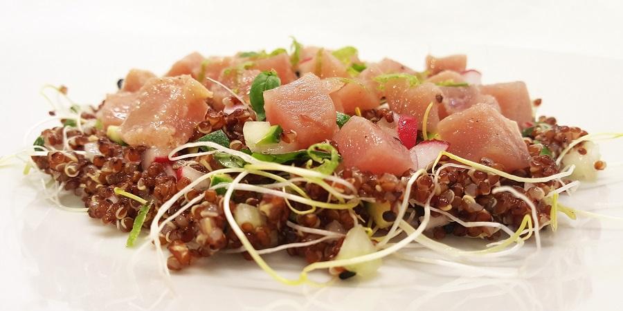 Insalata di quinoa e tonno rosso