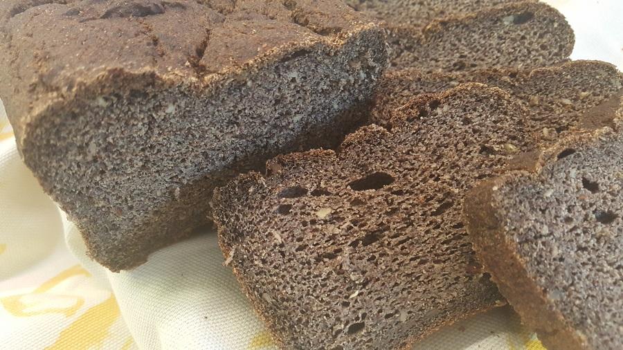 Pane di quinoa nera