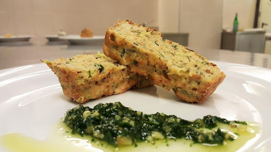 Plum cake salato con zucchine e salmone