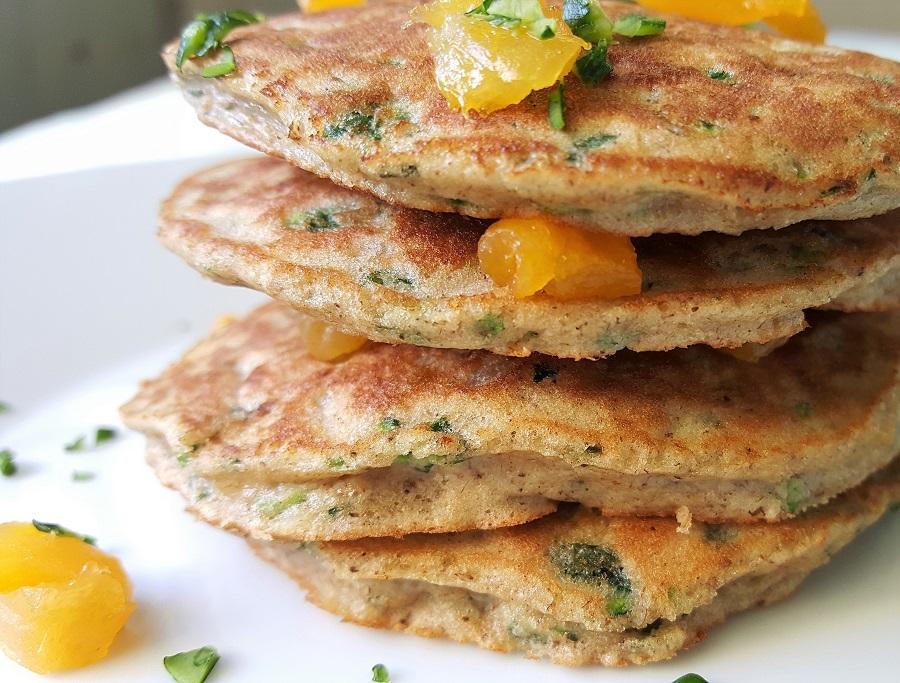 Pancake di zucchine e albicocche