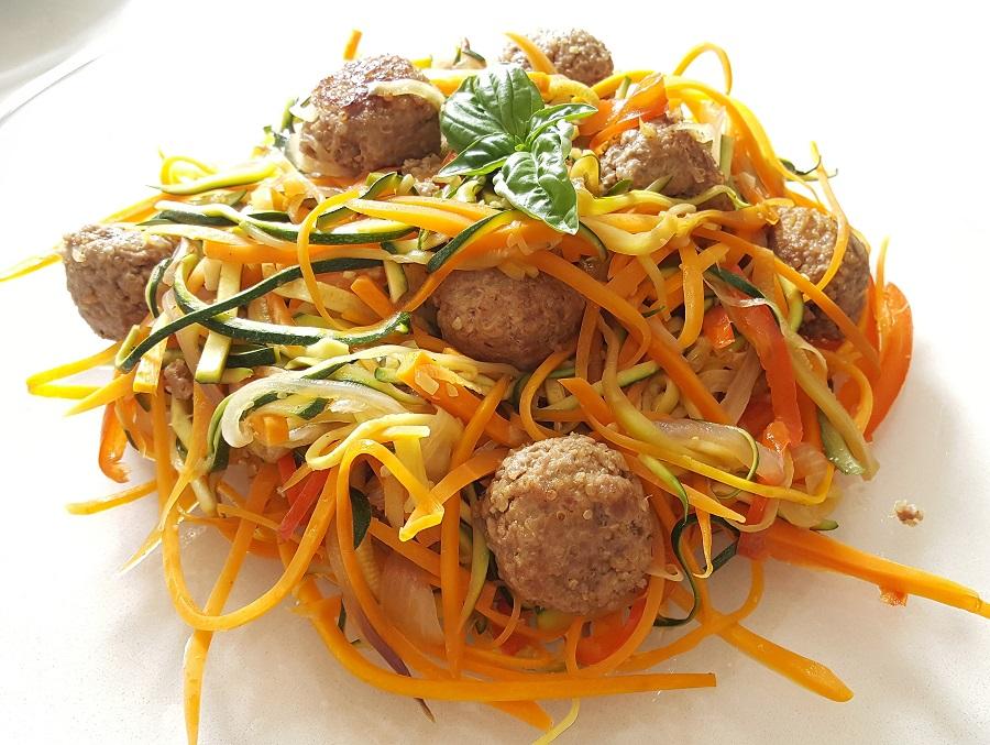 Polpette di tacchino e quinoa con ortaggi croccanti
