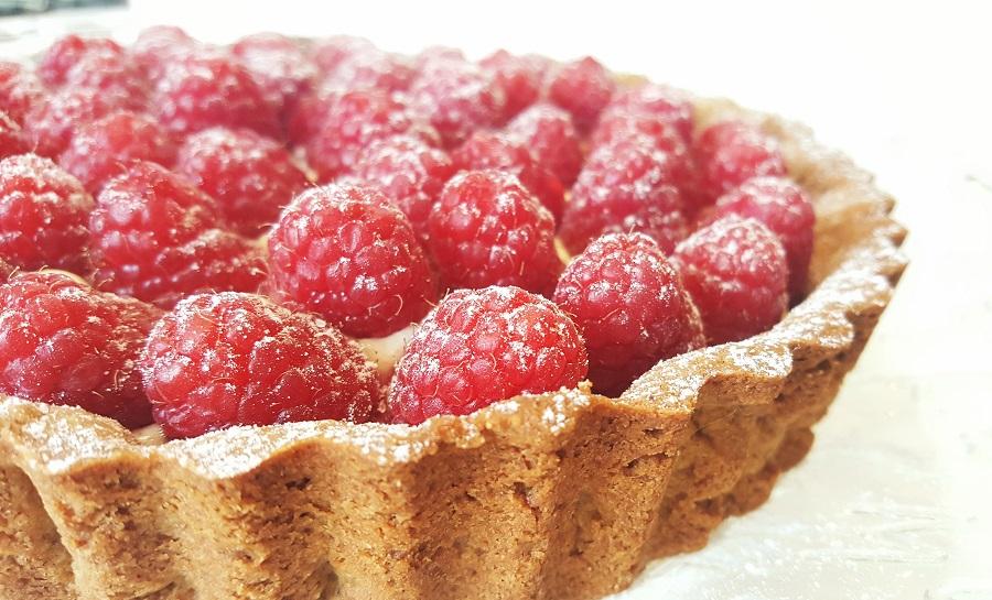 Crostata alla crema e frutti rossi