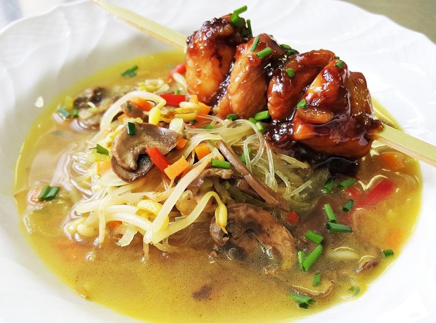 Pollo in salsa teriaki con zuppa alla giapponese